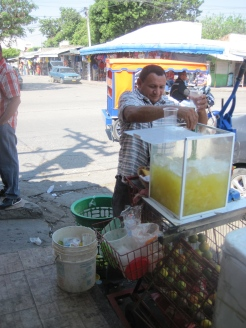 Fresh Jugo de Naranja/ .50cents
